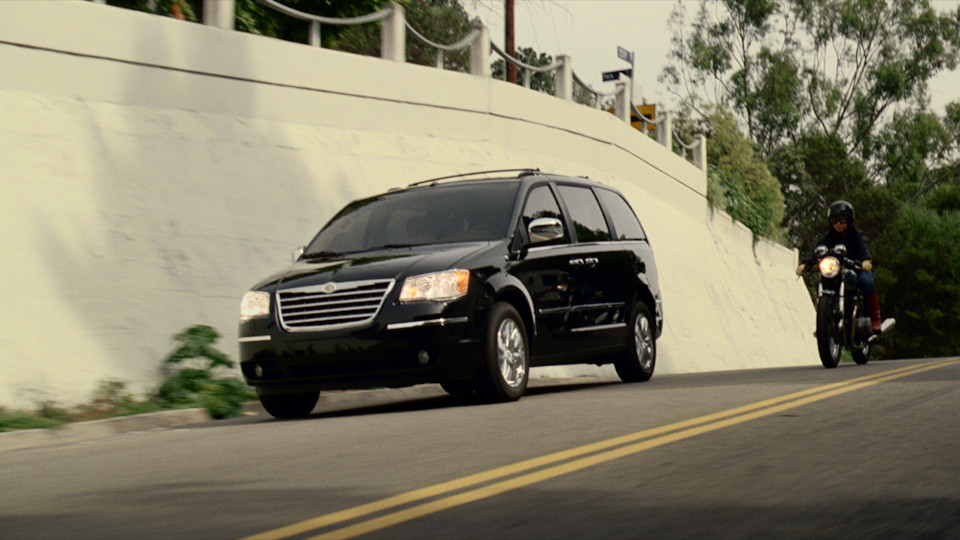 Chrysler Town & Country – After School